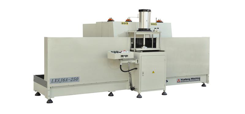 Doanh nghiệp cung cấp máy làm cửa nhôm, cửa nhựa chính hãng