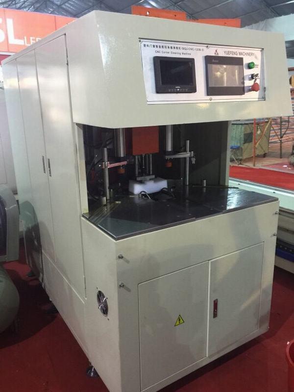 Máy làm sạch CNC nhựa 3 dao